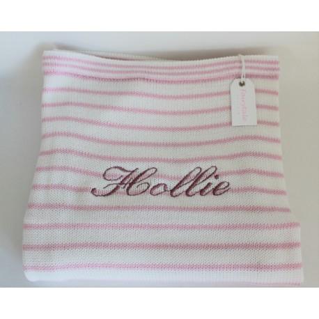 Lyserød og hvid stribet babytæppe med navn på