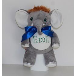 Cubbies grå og hvid elefant med navn, fødselsdato, vægt og cm broderet på maven.